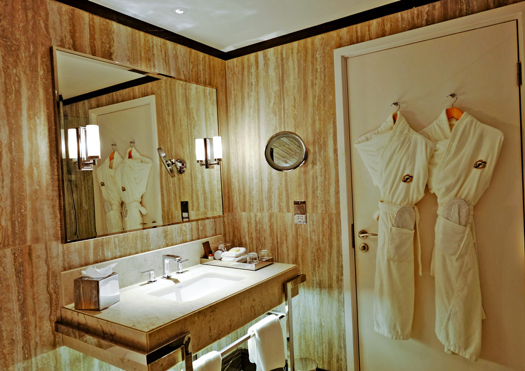 Fairmont-St-Andrews-Bathroom
