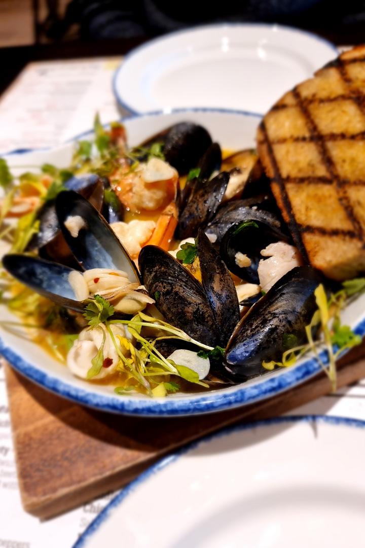 Cluanie Inn food - seafood