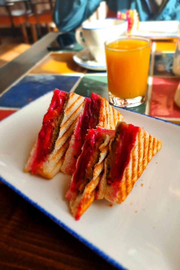 Cluanie Inn breakfast toastie