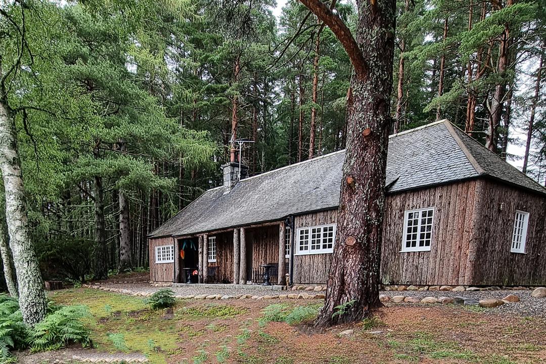 Queens Hut Aboyne Luxury Cabin Cairngorms